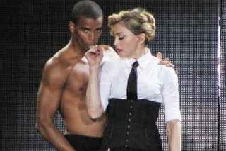 Madonna y su novio pelean por causa de un bailarín