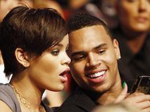 Rihanna gasta U$1 millón en regalo de cumpleaños para Chris Brown