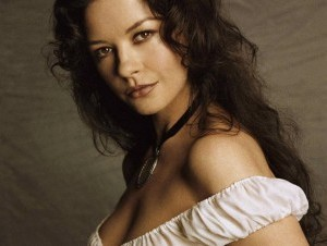Actriz Catherine Zeta-Jones ingresa a hospital psiquiátrico por bipolaridad