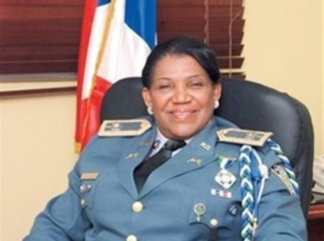 La generala Juana Campusano va pintada de guerra…