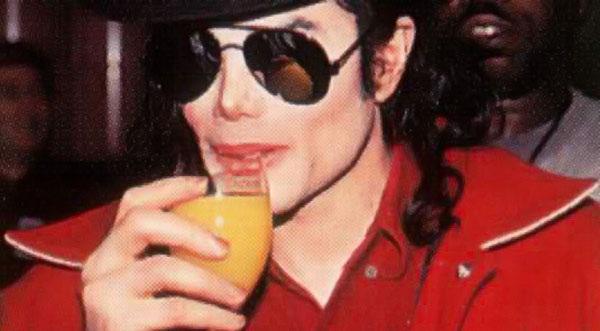Michael Jackson bebía 6 botellas de vino por día