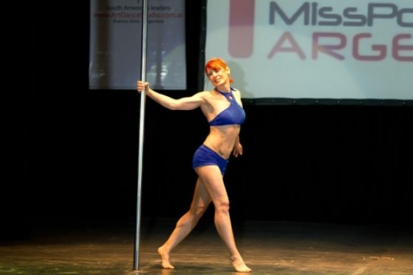 Es abuela y campeona de Pole Dance a sus 50