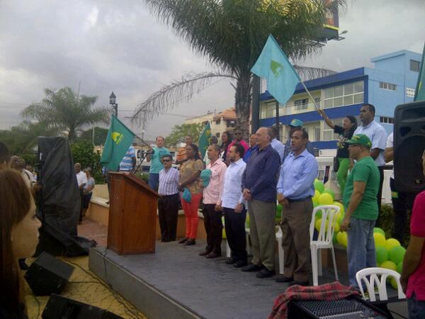 Guillermo Moreno  inauguró local Santo Domingo Este