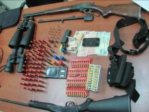 Ocupan armas de guerra a supuestos narcos