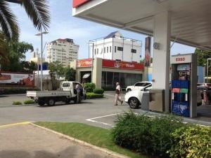 Denuncian que harán explotar gasolinera contigua a la Casa Nacional del PRD