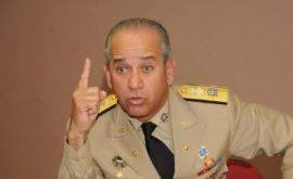 Ministro FFAA dice no pueden ser acuartelados escoltas de ex presidentes