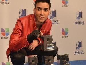 Prince Royce arrasa de nuevo en Premios Juventud