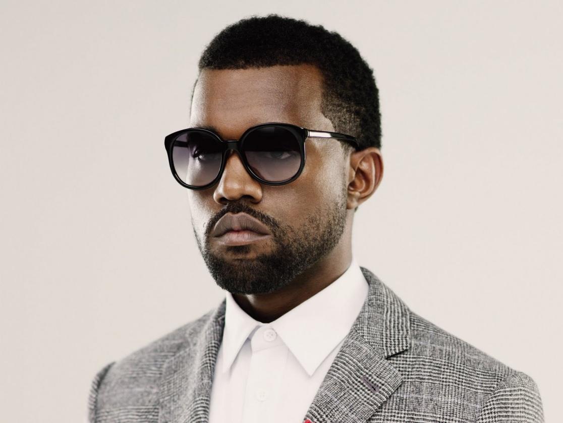 Kanye West ataca a paparazzi; un moreno indecente. (Vídeo)