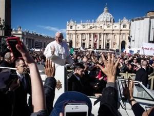 El Papa descarta usar papamóvil para su visita a Brasil