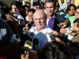 ULTIMO MINUTO: Jefes de seguridad de Hipólito y Miguel están reunido con el jefe de PN