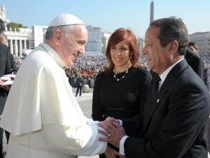 Papa Francisco recibe a Reinaldo Pared Pérez