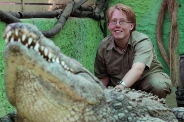Una rara amistad entre joven y cocodrilo. Fotos…