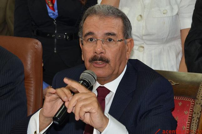 Ordenan apagar cámaras durante voto del Presidente Medina CC