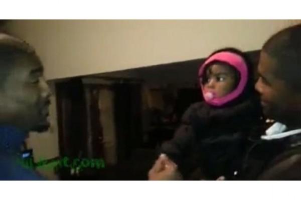 ¿Qué sucede cuando una bebé conoce al gemelo de su padre? (Video)