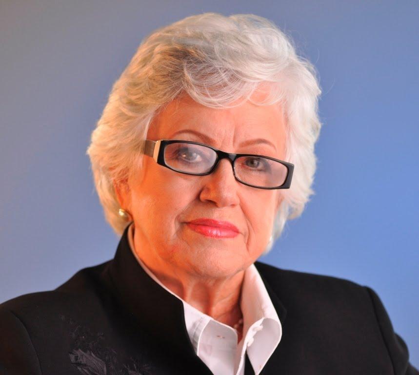 DOÑA MILAGROS: vicepresidenta no puede violentar tres leyes para ser candidata y funcionaria pública