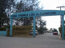 Incendio afecta fábricas en Zona Franca de Los Alcarrizos…