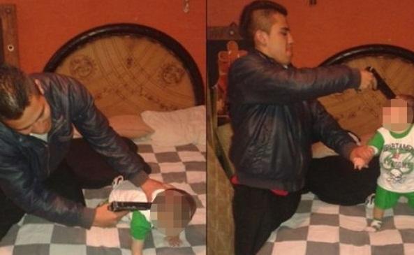 Maniático apuntó a su bebe con pistola y subió fotos a Facebook