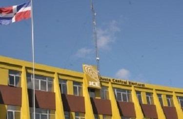 JCE pide a partidos opinar sobre cambio de fecha de elecciones