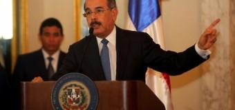 """El presidente Medina con """"manotazo"""" y todo en reunión…"""