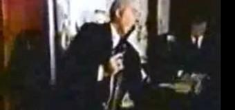 En 1987, político de EEUU se suicidó en vivo mientras dictaba conferencia. VIDEO…