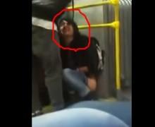 """MUJER BORRACHA se """"mea"""" en bus público en Bogotá. VIDEO…"""