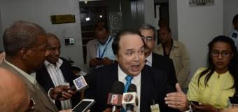 Vinicio cree petición de Menéndez no es injerencista; niega ser autor de carta