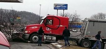 INSÓLITO: PERO pone en marcha un camión y choca…