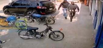 Ladrones vestidos de PN roban máquinas y dinero de banca deportiva en Jarabacoa. VIDEO…