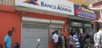 Asaltan banco ADOPEM en San Cristóbal; roban RD$800 mil
