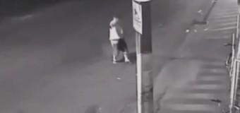 VIDEO: Tras robo frustrado ladrón enfrentó 8 policías y cae abatido