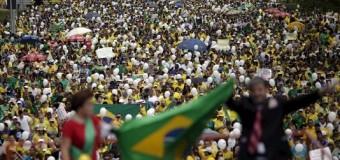 Masivas marchas contra Dilma Rousseff en Brasil…