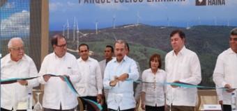 Con parque eólico Larimar avanza transformación matriz energética nacional