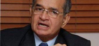 Franklin Almeyda ataca de nuevo; pide a Danilo tire al mar la llave de la reelección. SANTO