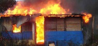 Mueren dos hermanitos de 3 y 4 años al incendiarse su vivienda en Navarrete