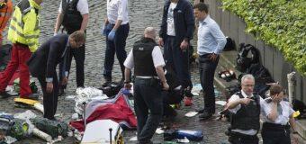 Ministro inglés intentó revivir policía británico luego de atentado terrorista. No pudo. OIGA MÁS.