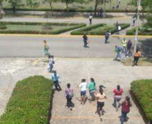 Identifican hombre muerto durante tiroteo en la UASD; llevan cadáver a Patología