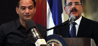 El Presidente debería ponerse una corbata verde y premiar las denuncias de corrupción.
