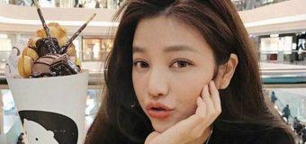 Con 42 años, parece de 16, una taiwanesa divina…