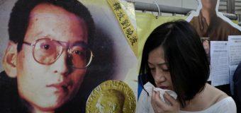 El nobel de la Paz Liu Xiaobo agoniza en un hospital bajo fuerte vigilancia…