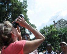 Dominicanos se las ingeniaron para ver el eclipse…