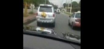 VIRAL: Alcalde SDN persigue y detiene chofer llevaba basura en su yipeta…
