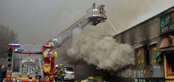 Incendio en Alto Manhattan deja varios bomberos heridos…