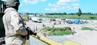 """HAITIANOS ponen en """"jaque"""" a guardafronteras dominicanos…"""