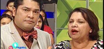 Madre del Pacha lo regaña por beso forzado a merenguera…