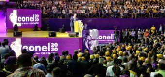 El mensaje de los símbolos en el acto de Leonel