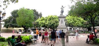 El 49% de la población adulta dominicana desea irse del país