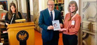 José Tomás Pérez publica novela en biblioteca del congreso de EEUU