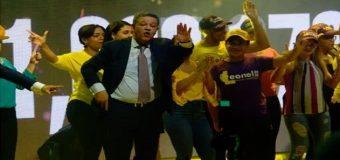 Leonel cambia su estilo de campaña…