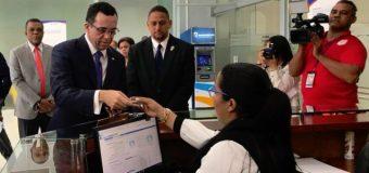 ANDRÉS NAVARRO pide auditen sus gestiones en Educación y Cancillería