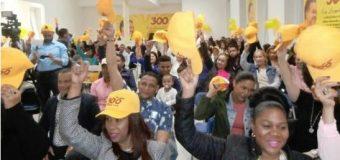 """Grupo """"Los 300 con Leonel"""" llama a resistencia ciudadana en defensa de la Constitución"""